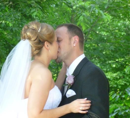 wedding_1kiss